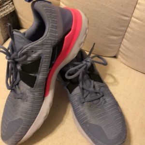 Nike woman sneakers size 11